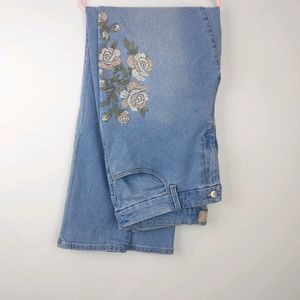 Chico's light wash floral embroidered ankle jeans